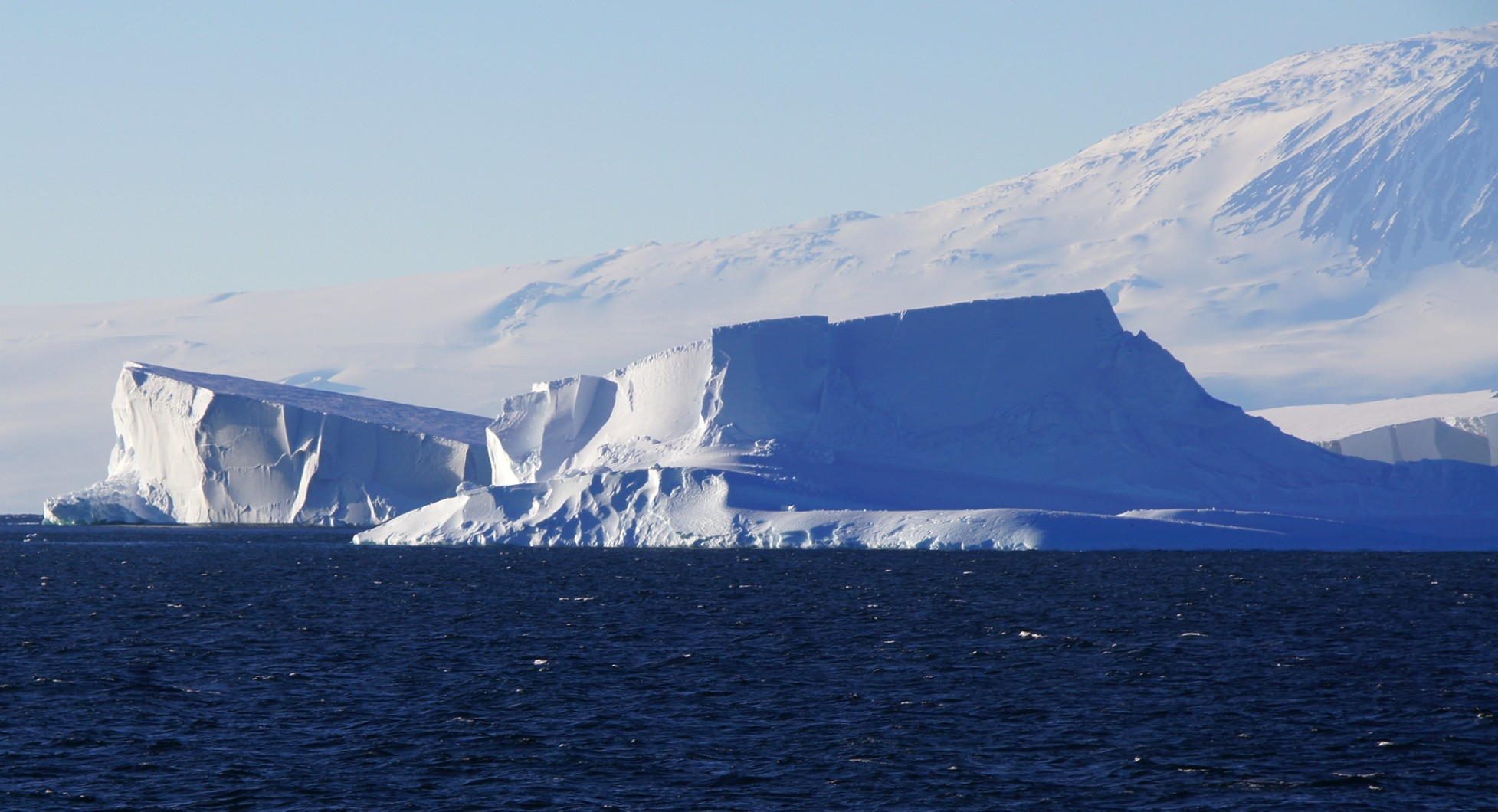 Which Ocean Contains Many Iceberg